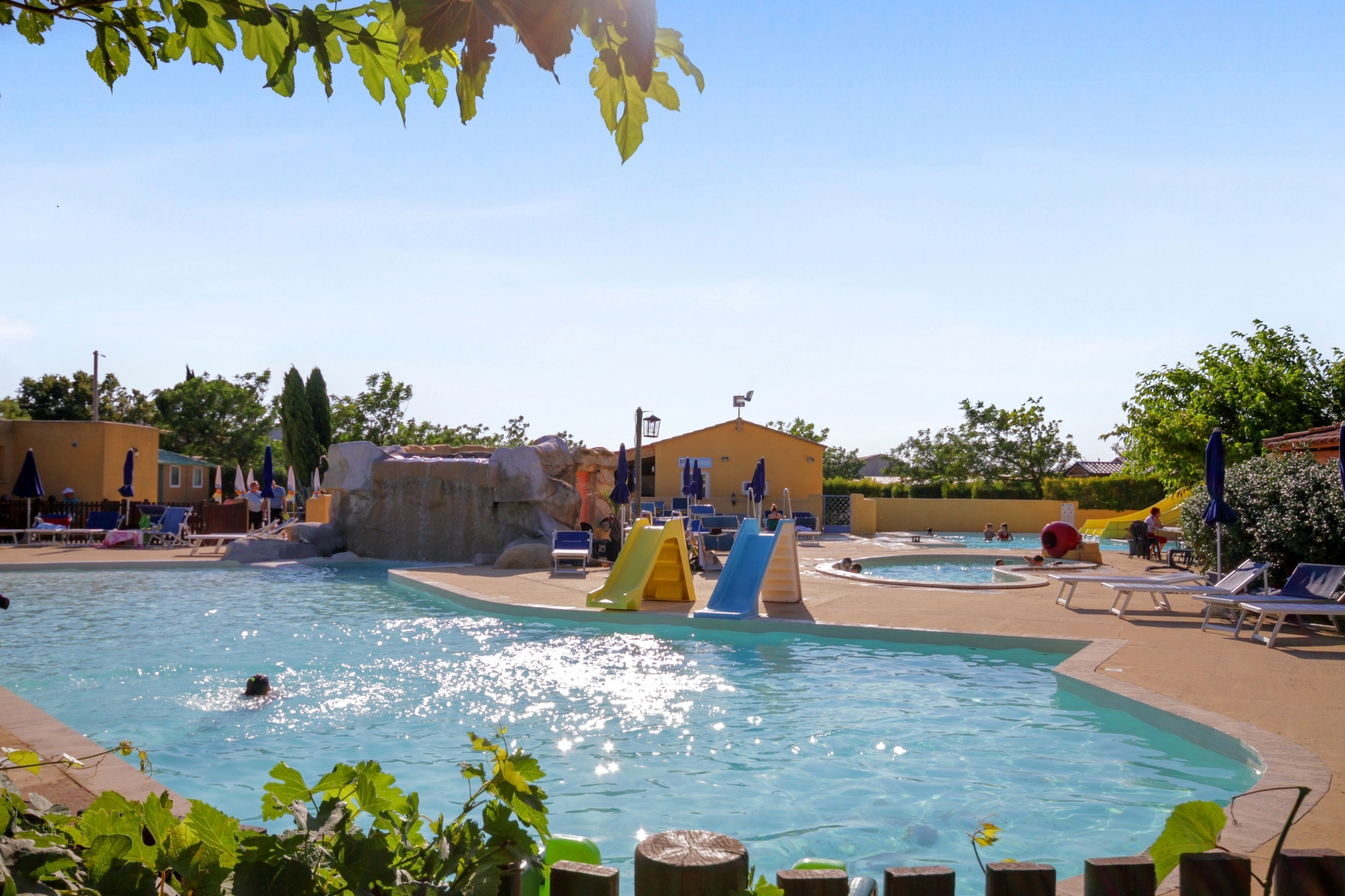 Camping courth zon r servez votre camping courth zon for Camping vaucluse piscine