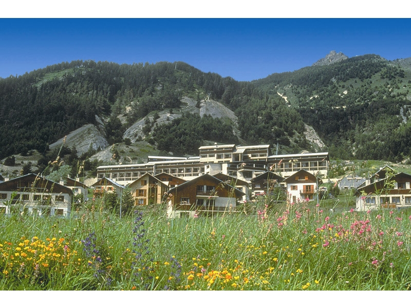 Alpes reservation village vacances l 39 hochette en formule for Reservation formule 1