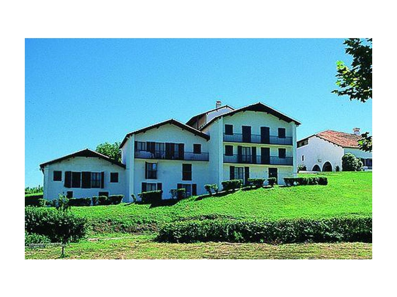 Pyrenees reservation village vacances omordia en demi for Reservation formule 1