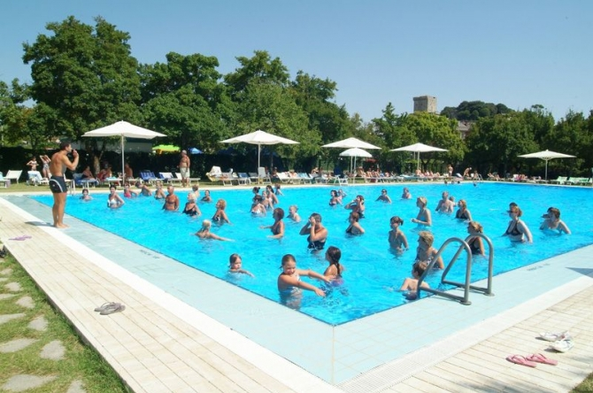 Camping camping 4 parco delle piscine camping num ro 1 for Camping delle piscine sarteano