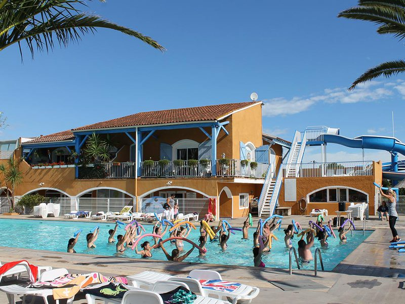 Camping 4 toiles l s vias agde direct for Piscine agde tarif