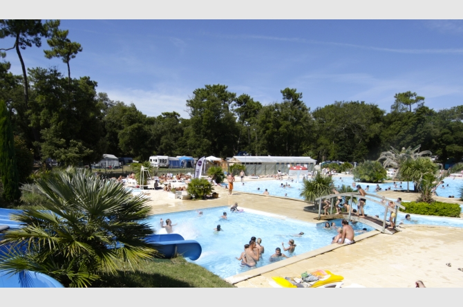Camping camping 3 le logis camping num ro 1 grand public for Camping st palais sur mer avec piscine