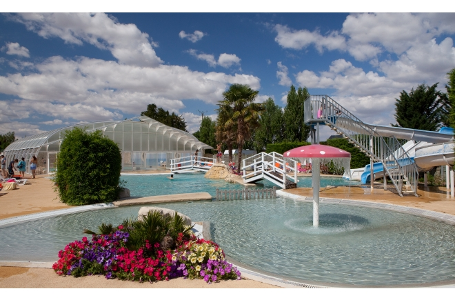 Camping 4 c d l g camping suevres for Piscine sceau