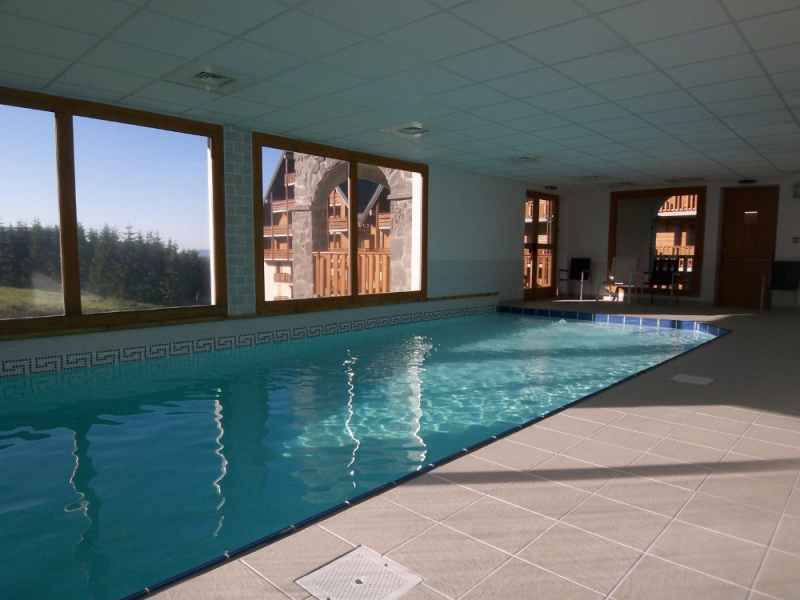 Auvergne direct r sidence o sancy for Super besse piscine