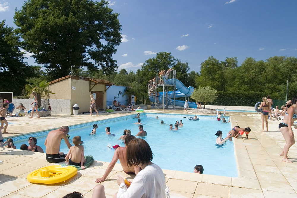 Camping piscine puy de dome tous nos campings piscine for Camping puy de dome avec piscine