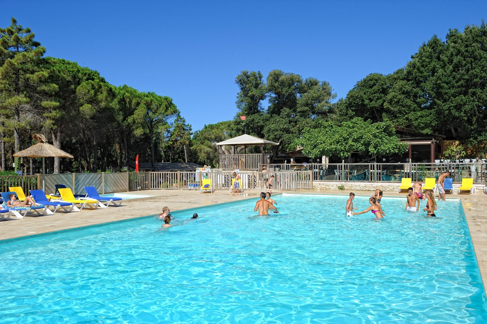 Camping piscine corse du sud tous nos campings piscine for Camping corse du sud avec piscine