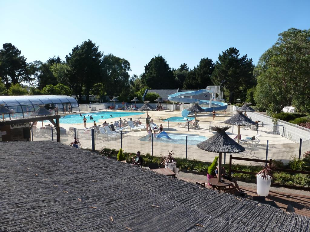 Camping le bordeneo 4 for Piscine questembert