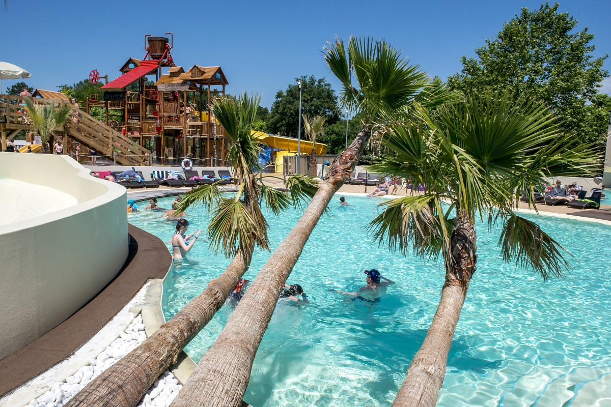 Camping la rive 5 biscarrosse atlantique sud france for Camping le bourget du lac avec piscine
