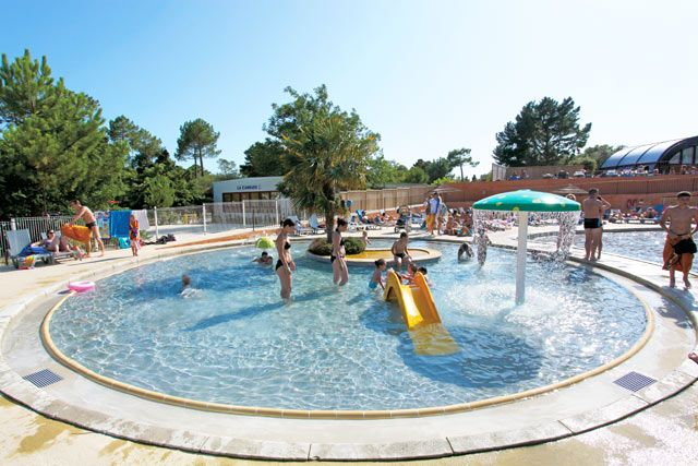 Camping le palace soulac sur mer atlantique sud france for Camping cabourg avec piscine