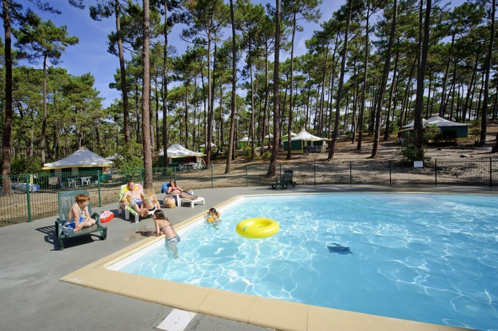 Locations de vacances carcans maubuisson d s 159 for Camping cote bleue avec piscine