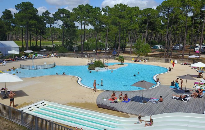 camping medoc plage montalivet atlantique sud france avec voyages leclerc campings ref 393185. Black Bedroom Furniture Sets. Home Design Ideas