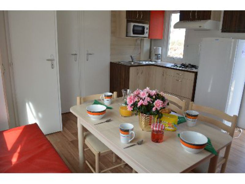MOBILHOME 7 personnes - CONFORT+ Mobilhome 3 chambres 30m² + terrasse 6/8 pers