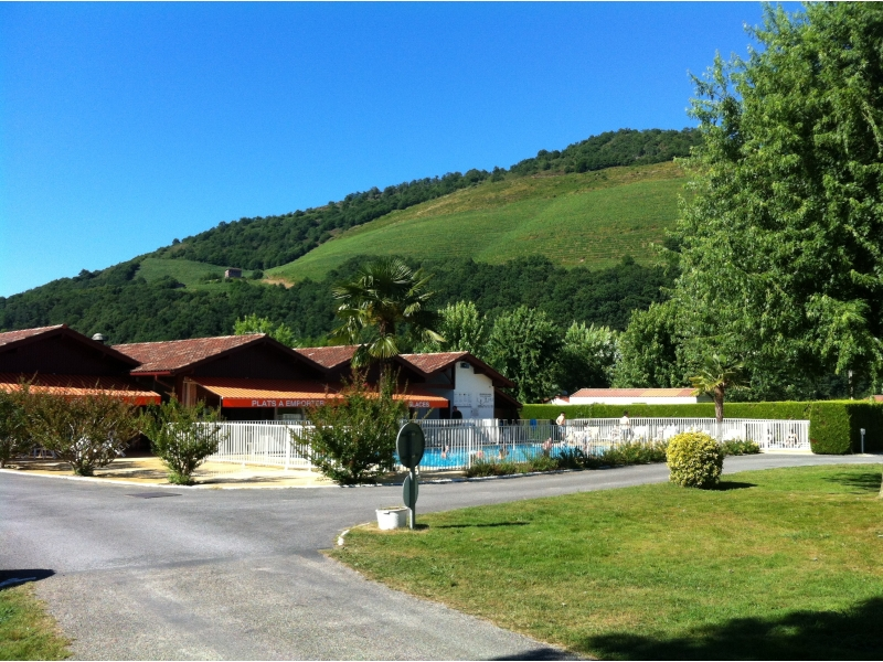 Camping 4 europ camping for Camping st jean pied de port avec piscine