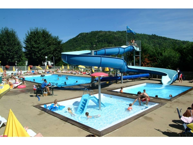 Camping l europe 4 location auvergne rhone alpes avec for Camping massif central avec piscine