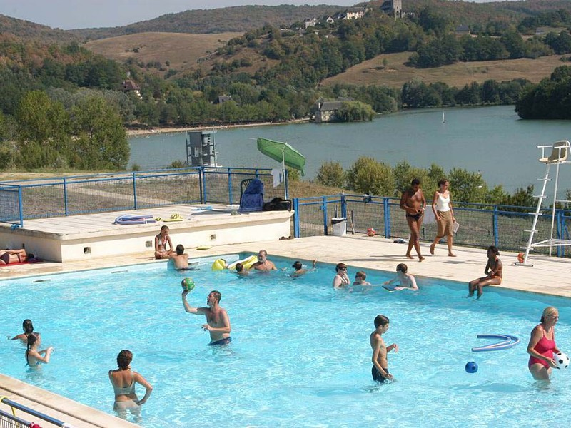 Camping lac du causse for Camping lac du bourget piscine