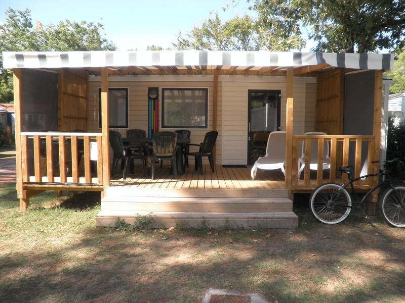 MOBILHOME 6 personnes - Type A, 3 chambres TV + LV + Clim + Plancha + 2 sdb