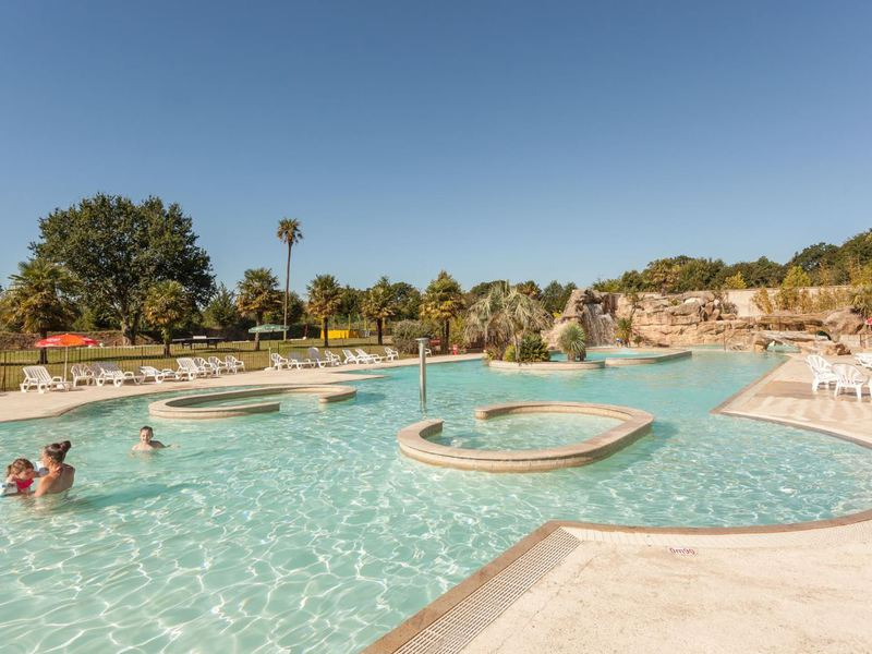 Camping Domaine de l'Orangerie de Lanniron  - Camping French Time - Camping Finistere