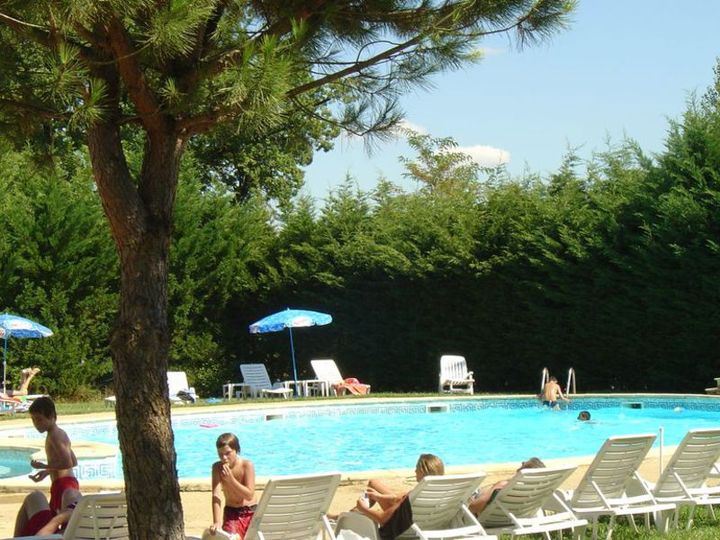 Camping le ch ne vert for Piscine paris naturiste